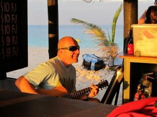 Namotu after-surf entertainment